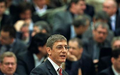 """Węgierski premier Ferenc Gyurcsany zażądał, by instytucje państwowe przestały prenumerować """"Magyar H"""