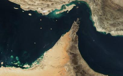 Iran grozi zamknięciem cieśniny Ormuz
