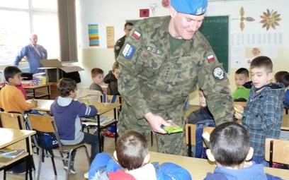 """Wojsko wspiera """"Szkoły dla Pokoju"""""""