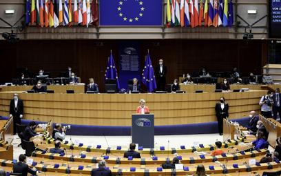 Parlament Europejski za certyfikatami szczepień