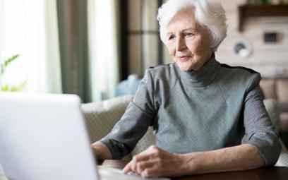 Internetowe konta dla seniorów. Jak wybrać?