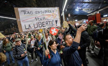 Berno, protest antyszczepionkowców