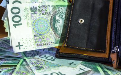 Wynagrodzenia pracowników pomocy społecznej z rządowym wsparciem