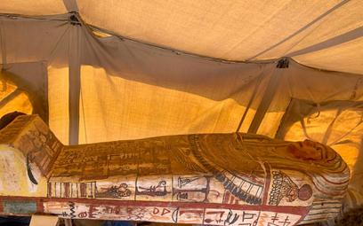 Egipt: Odkryto 27 nietkniętych sarkofagów sprzed 2500 lat