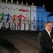 Bronisław Komorowski podczas inauguracji polskiej prezydencji w UE przed Pałacem Prezydenckim