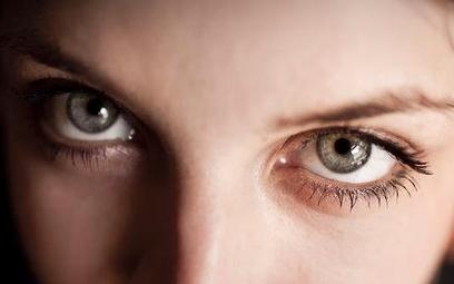 Kolor oczu można zmienić laserem