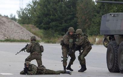Ponad połowa żołnierzy ze sprawdzianu z WF dostaje piątkę.