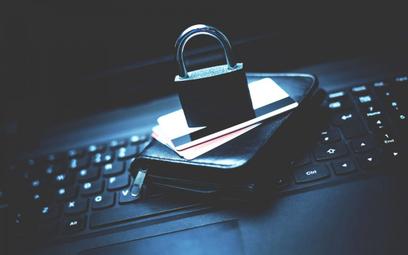 Banki wprowadzają nowe zabezpieczenia płatności przez internet