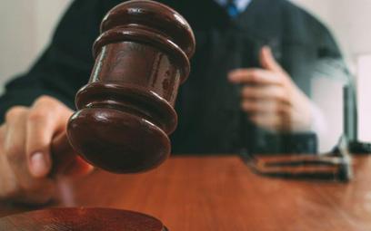 Sztuczna inteligencja wchodzi nawet do sądu
