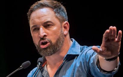 Lider Voxu Santiago Abascal zdołał doprowadzić do odrodzenia wielu idei frankizmu