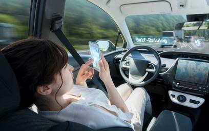 Co robiłbyś w autonomicznym samochodzie? Badani mają ciekawe pomysły
