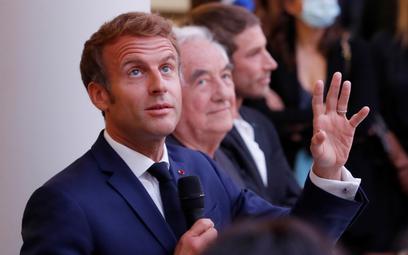 Macron potwierdził na targu: reforma emerytur musi poczekać