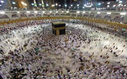 Arabia Saudyjska przywraca małe pielgrzymki do Mekki