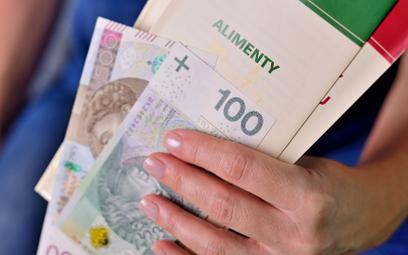 Alimenty z Funduszu: rząd chce zmienić zasady wypłat. Chodzi o kryterium dochodowe
