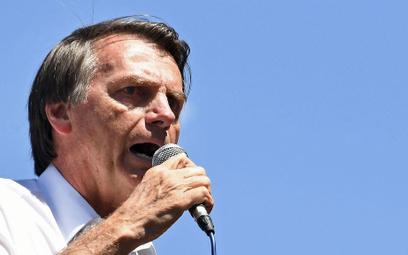 Brazylia: Kandydat na prezydenta pchnięty nożem na wiecu