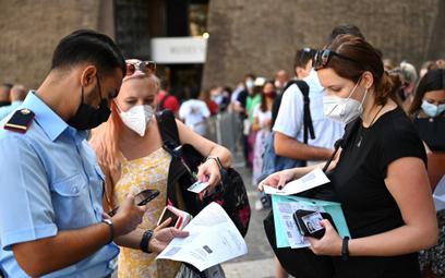 Włochy chcą wprowadzić obowiązek posiadania zielonej karty COVID