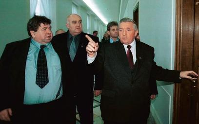 Zbigniew Witaszek (na zdjęciu z Andrzejem Lepperem w 2001 r.) chce wrócić do polityki
