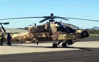 Jeden z dwóch pierwszych śmigłowców bojowych AH-64E Guardian lotnictwa Kataru. Fot. Ambasada Stanów