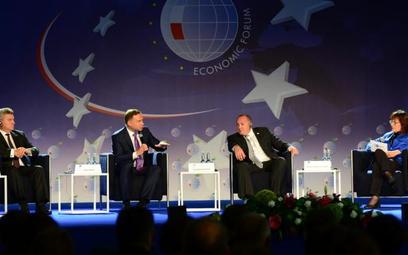 Uczestnicy dyskusji (od lewej): Gorge Iwanow, prezydent Republiki Macedonii, Andrzej Duda, prezydent