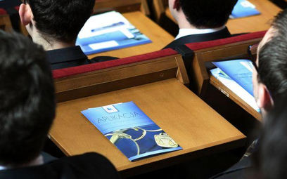 Będzie reforma aplikacji radcowskiej: koniec z wykładami, więcej ćwiczeń i zajęć indywidualnych