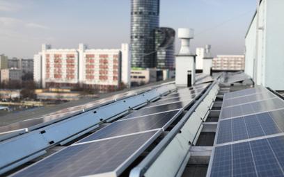 Spółdzielnie mieszkaniowe zaczynają wykorzystywać instalacje OZE do produkcji energii elektrycznej,