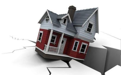 Bez odszkodowania za zawalenie się domu z powodu błędów konstrukcyjnych
