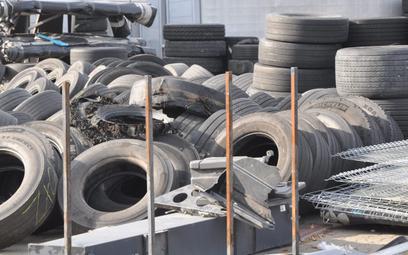 Lekki spadek sprzedaży opon do ciężarówek