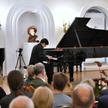 Koreański pianista Cho Seong-jin podczas koncertu inauguracyjnego 76 Międzynarodowy Festiwal Chopino