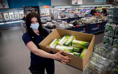 Aldi i Rossmann sprzedają testy na koronawirusa. Na razie w Niemczech