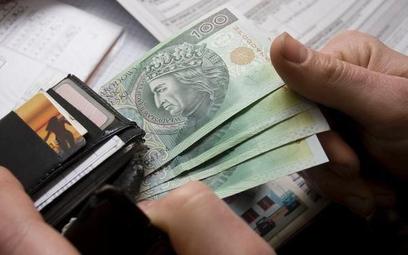 Polska na końcu zestawienia krajów OECD pod względem oszczędności