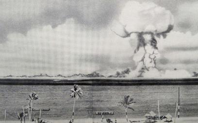 Podwodna próba detonacji bomby atomowej na atolu Bikini w 1946 r. Do 1958 r. Amerykanie przeprowadzi