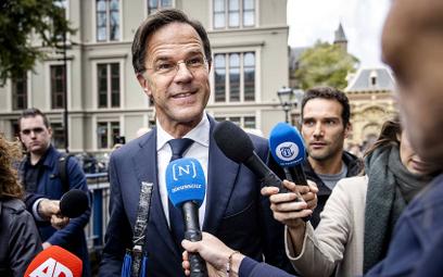 Premier Holandii wezwie UE do wstrzymania wypłat dla Polski