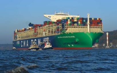 Napędzany gazem ziemnym kontenerowiec Jacques Saade zawitał do Hamburga