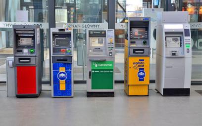 Top tip wpłatomatu: nie wkładajmy biletu między pieniądze