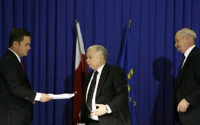Drugą część białej księgi prezentowali wczoraj prezes PiS Jarosław Kaczyński oraz posłowie tej parti