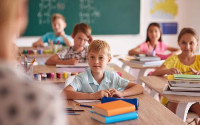 Ubezpieczenie szkolne dla  dziecka. Czy warto je kupić?