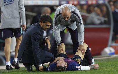 Lionel Messi kontuzjowany. Nie zagra z Realem?