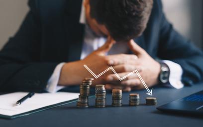 Strata wyższa niż połowa kapitału zakładowego może być powodem problemów spółki.