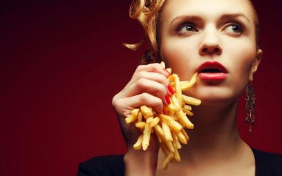 Kuszące obrazy śmieciowego jedzenia