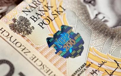 KNF: liczba IKE i IKZE, na które dokonano wpłat w I półroczu wzrosła najszybciej od 2012 r.