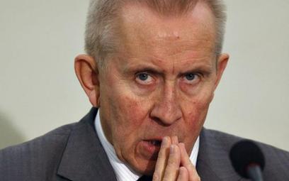 Andrzej Czuma jest ostatnio w ogniu krytyki