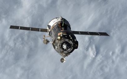 Szczęśliwe lądowanie astronautów