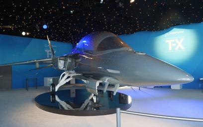 Makieta samolotu szkolno-treningowego Boeing T-X. Fot./Łukasz Pacholski.