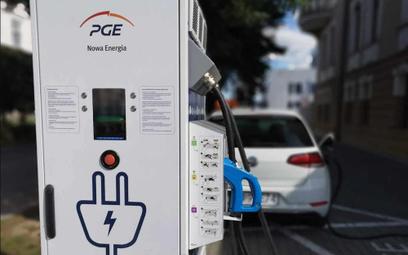 PGE wprowadza opłaty za ładowanie aut elektrycznych