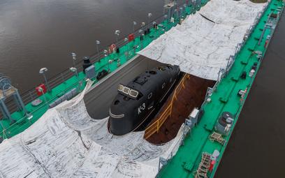 Pierwszy w sowiecki atomowy okręt podwodny K-3 dotarł na Bałtyk, gdzie stanie się atrakcją tworzoneg