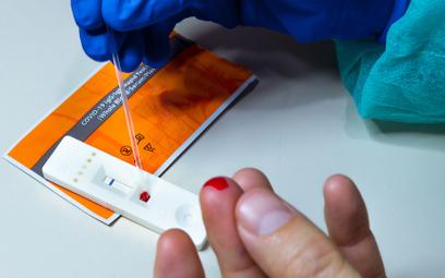Ekspert wzywa do zakazania sprzedaży testów antygenowych