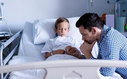 Rodzic w szpitalu zapłaci za łóżko, ale nie za obecność przy dziecku