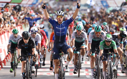 Fabio Jakobsen cieszy się ze zwycięstwa na ósmym etapie Vuelty
