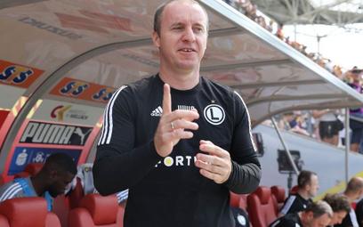 Aleksandar Vuković jeszcze w lipcu cieszył się z mistrzostwa. Po półtora roku Legia podziękowała mu
