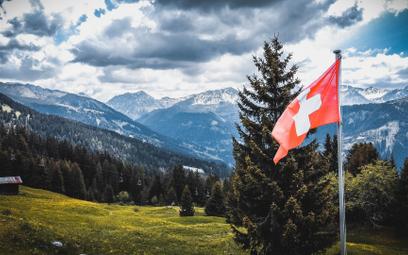 Szwajcarzy odrzucili ekologiczne reformy. Wolą tanie loty